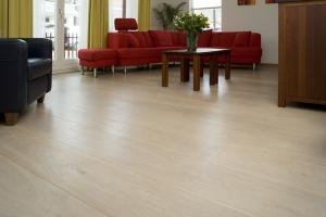 SEPT-Eur-Oak-white-finished